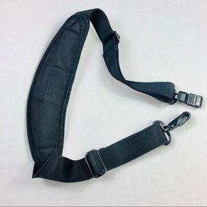 TUMI Bag's Handle over Shoulders Used Black